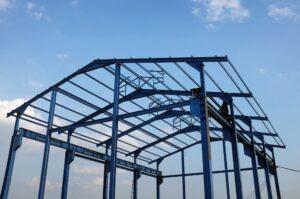 estrutura metálica sem telhado