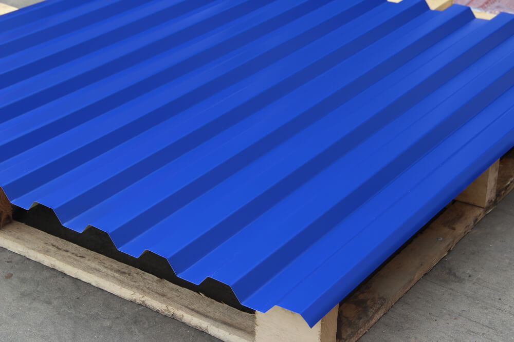 telha de metal pintada de azul