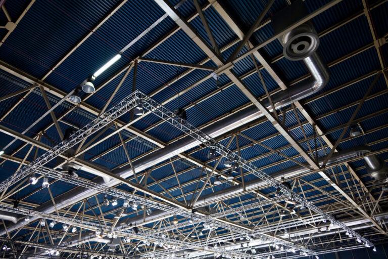 Conheça aqui os melhores tipos de telhas para galpão