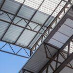 Quais são as 4 boas práticas na construção de telhados industriais?