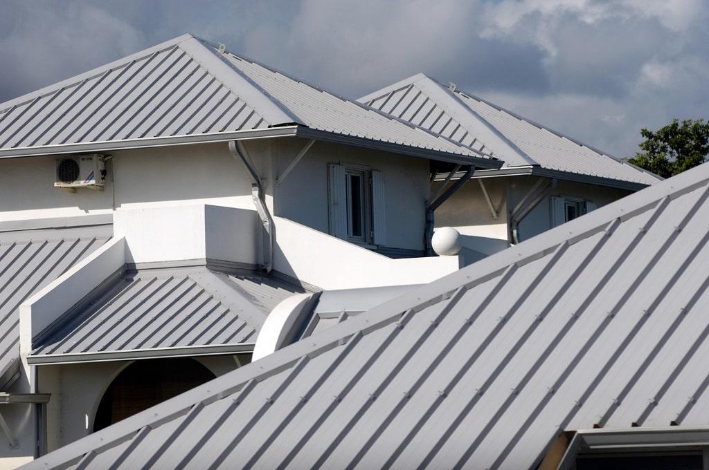 casas com telhas galvalume